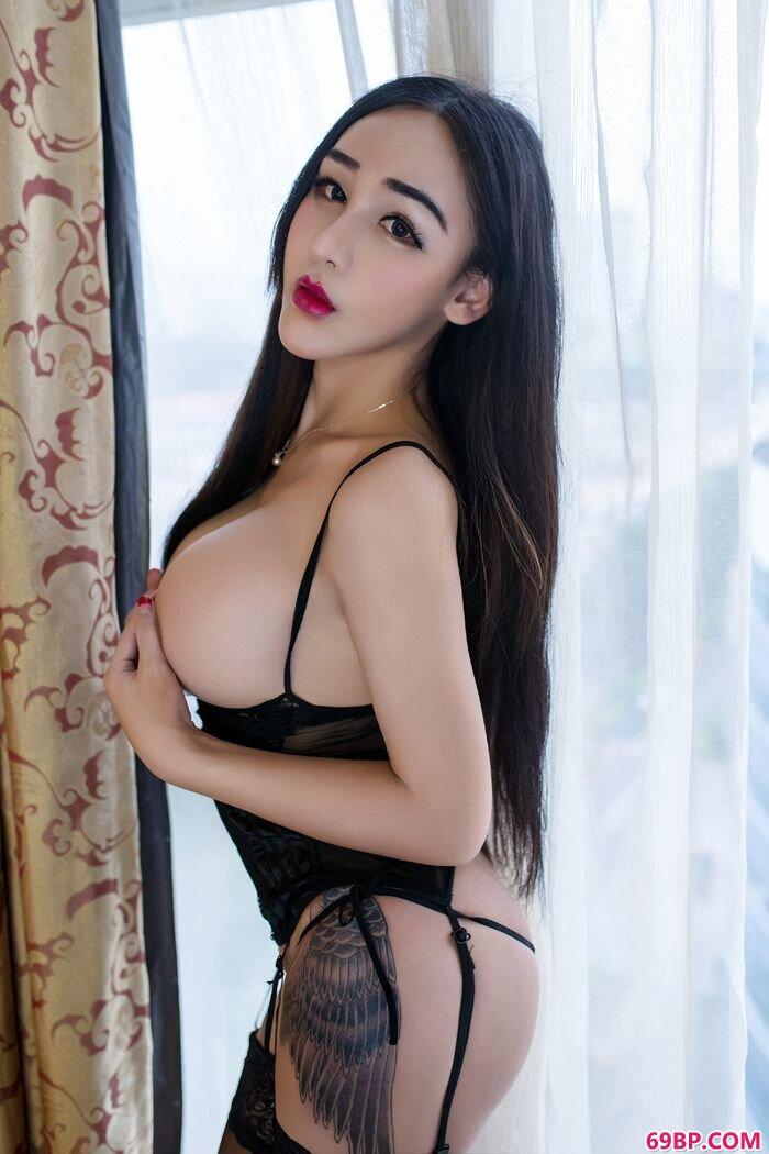 性感女巫红色情趣内裤大尺度人体图_gogo人体99rt