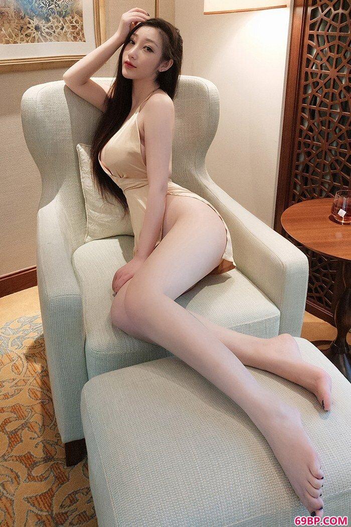 妩媚靓女妲己白皙爆乳眼神媚惑勾人_GOGO人体撮影
