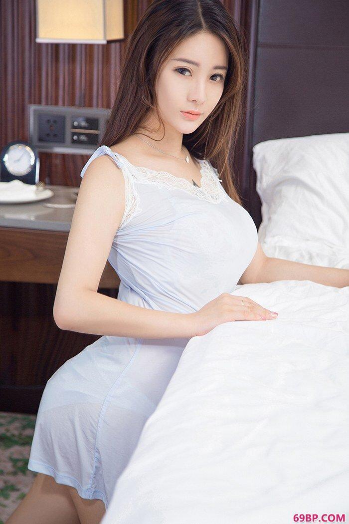 嫩模刘天天丰乳翘臀尽显冰肌玉骨_西西西人体模特