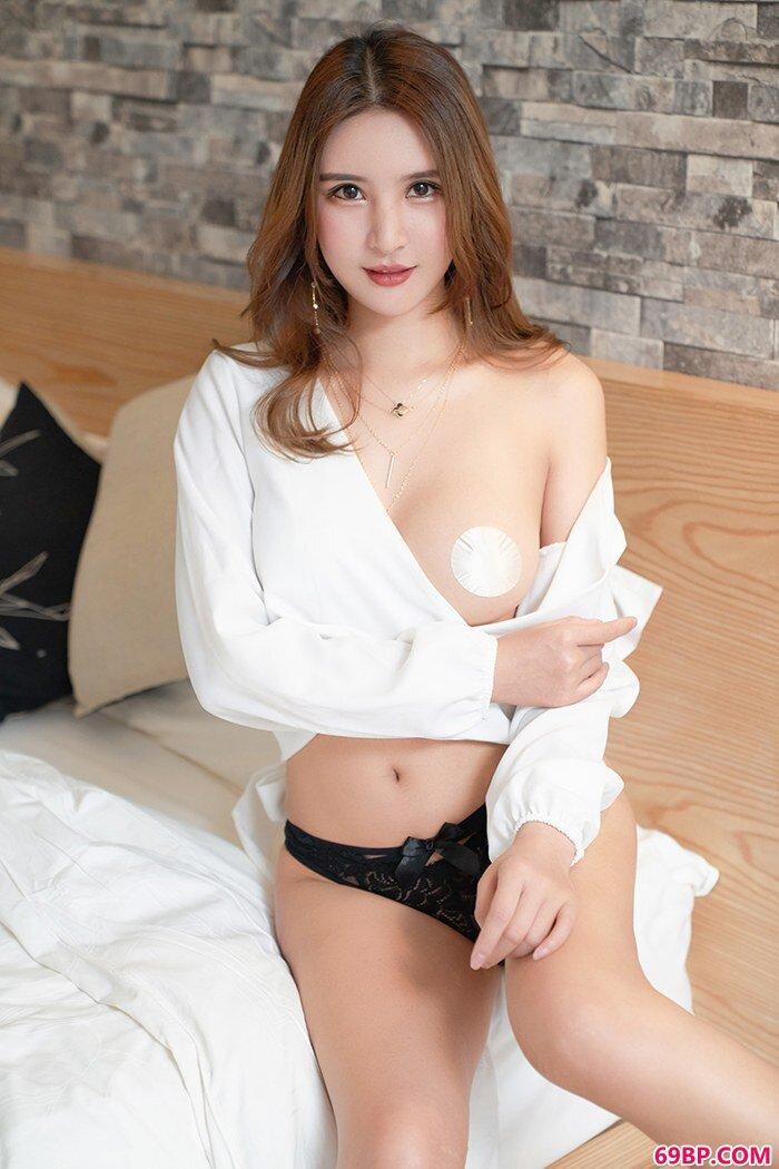 性感女神尹菲全裸出镜曼妙胴体诱人足_gogo人体张筱雨魅惑2