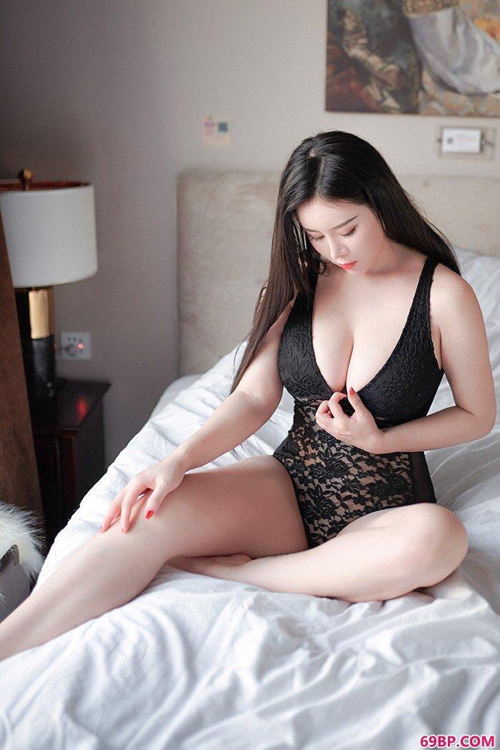 大胸少女戴�c欣轻纱薄裙朦胧美诱惑_性欧美video高清美妇喷水