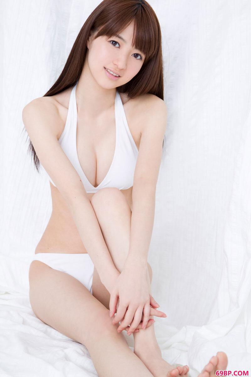 泳装美眉室内摄影_美女西西人体中国
