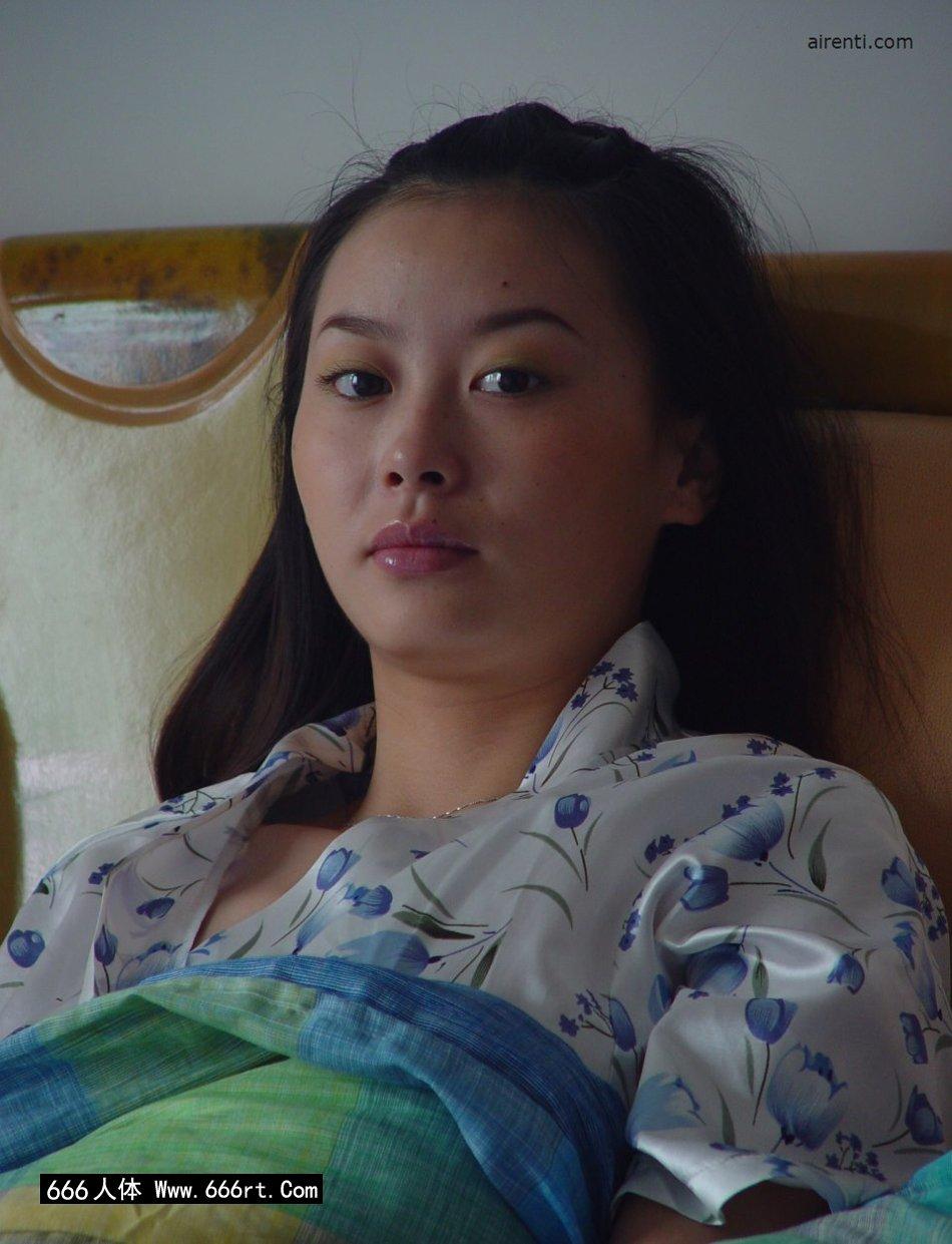 身材非常火辣的王丹居家人体写照