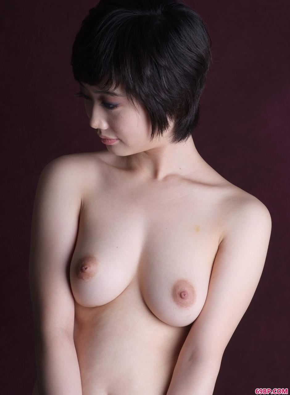 美模李雪室拍妩媚人体2_人体艺术图