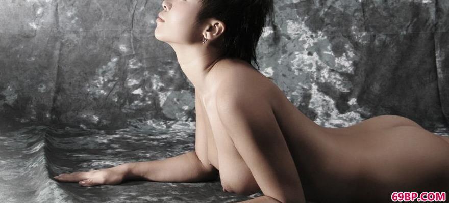 靓女洋洋室拍无圣光人体