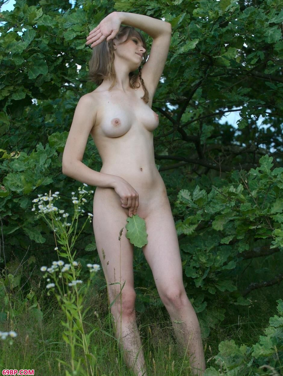 名模妮娜Nina树林的诱惑美体