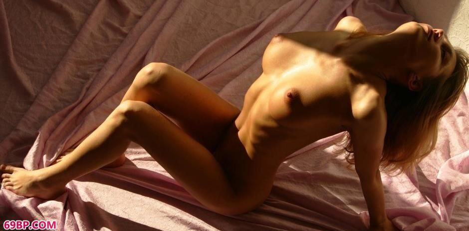 美模安吉拉Angela纱布上的抚媚人体,性感美少女人体艺术