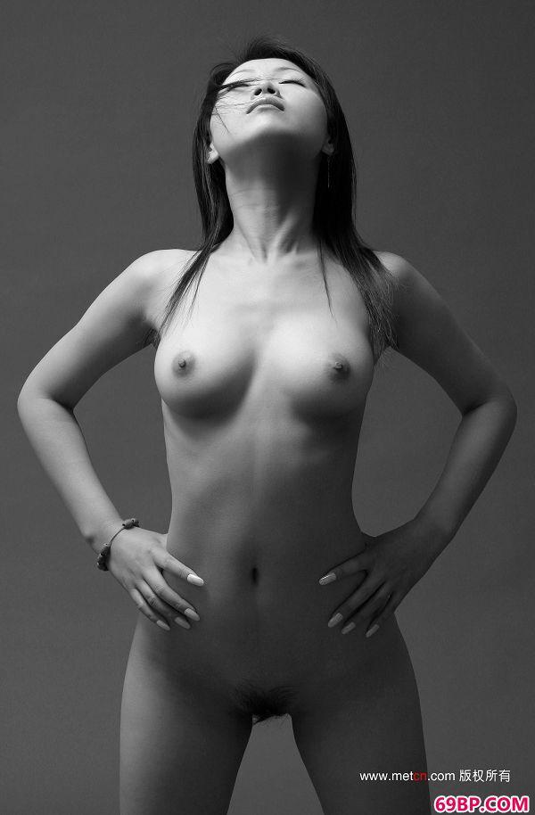 中国日本泰国gogo人艺术_林柏欣-《新女性》2