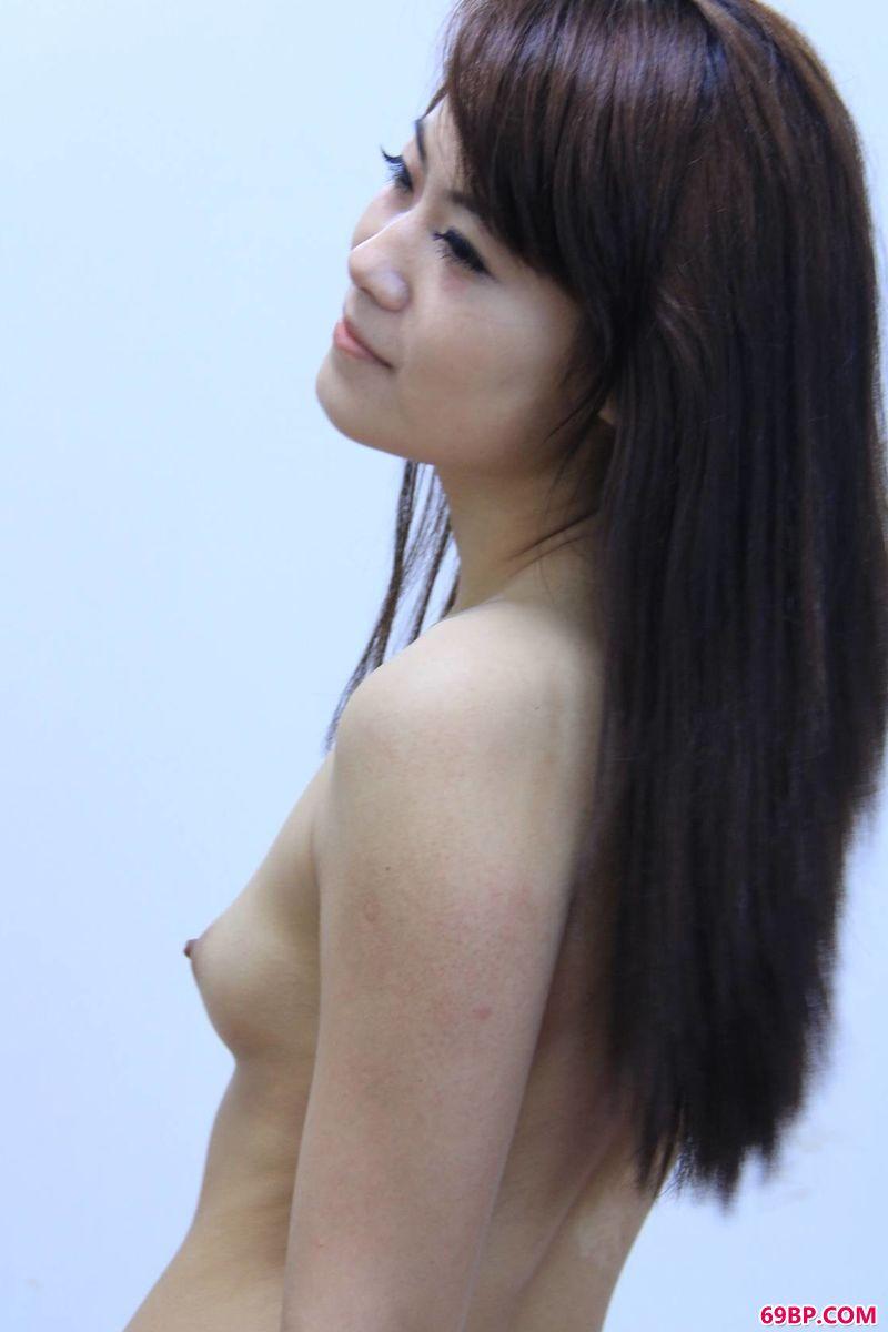 大乳美女_业余水平写真裸模雪阳